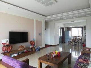 (莱芜区)滨河花苑3室2厅1卫130m²