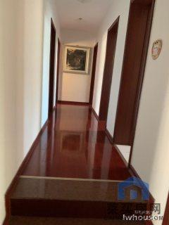 (莱芜高新区)世纪城4室2厅2卫258万300m²精装修出售