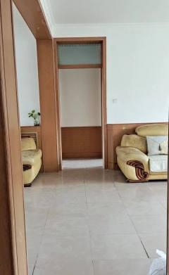 (莱芜区)粮食局宿舍小区3室2厅1卫57万115m²简单装修出售