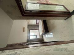 (莱芜高新区)世纪城4室2厅2卫210万180m²精装修出售
