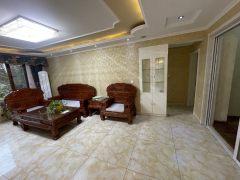 (莱芜高新区)世纪城3室2厅2卫115万125m²精装修出售
